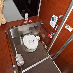 長距離の移動でも安心車内トイレ(一部)
